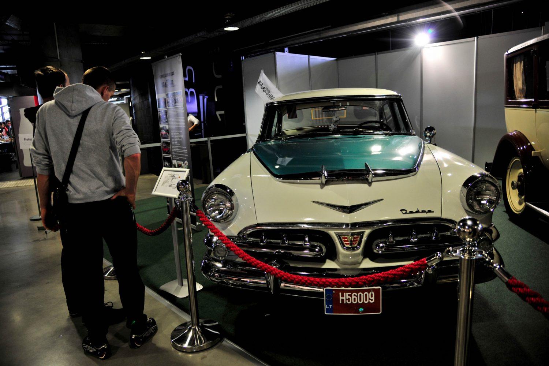 Dodge Royal Sedan, pagamintas 1956 m. Savininkas – Stanislav Romanovski