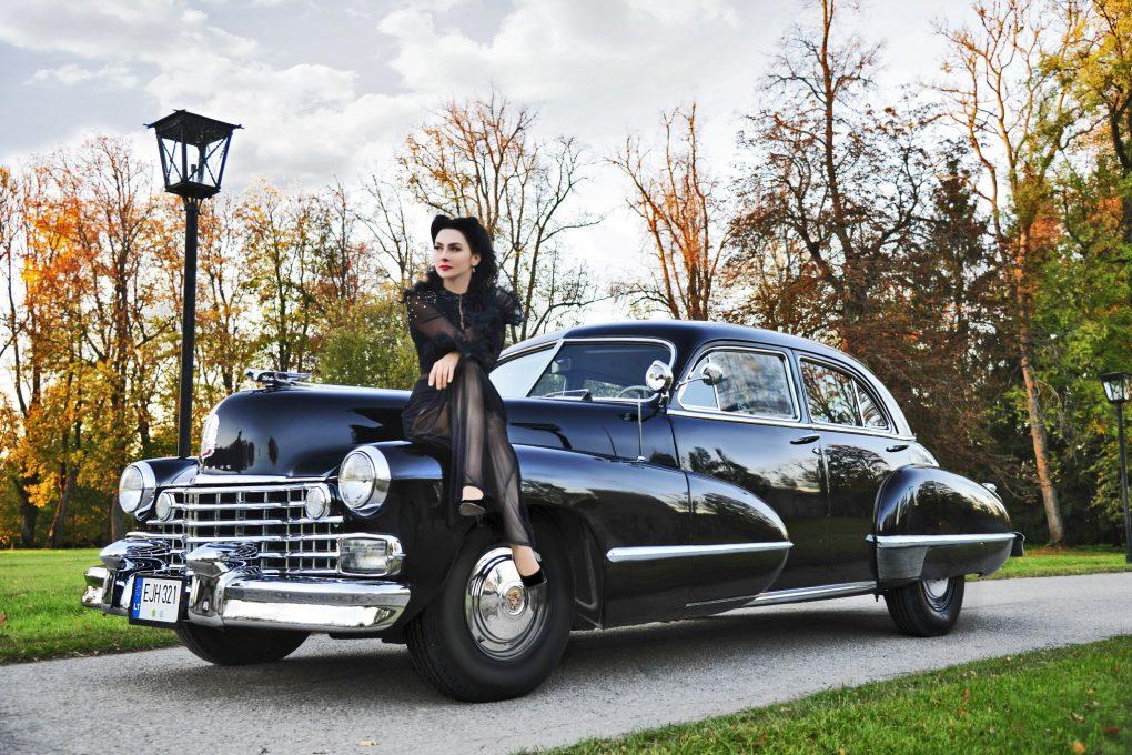 11-lapkritis-irma-ir-cadillac-series-62-1942-m-automobilio-savininkas-dalius-linkevicius-ilonos-daubaraites-nuotrauka
