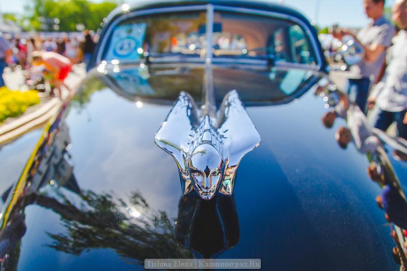 Cadillac Series 62 pelnė festivalio stilingiausio automobilio vardą