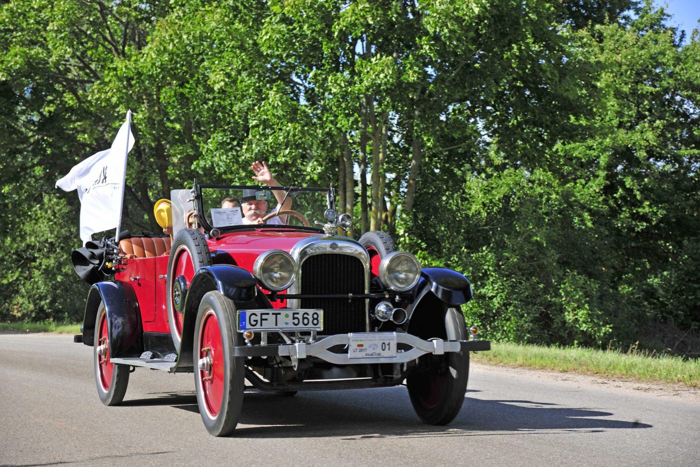 Laimėtojas - seniausio automobilio kategorijoje - NASH 681-7 Touring, pagamintas 1922 m. Savininkas – Gintautas Miškinis