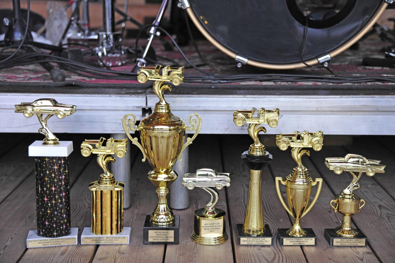 """Gražuolės """"Klasikos"""" taurės ir apdovanojimai laukia savo šeimininkų!"""