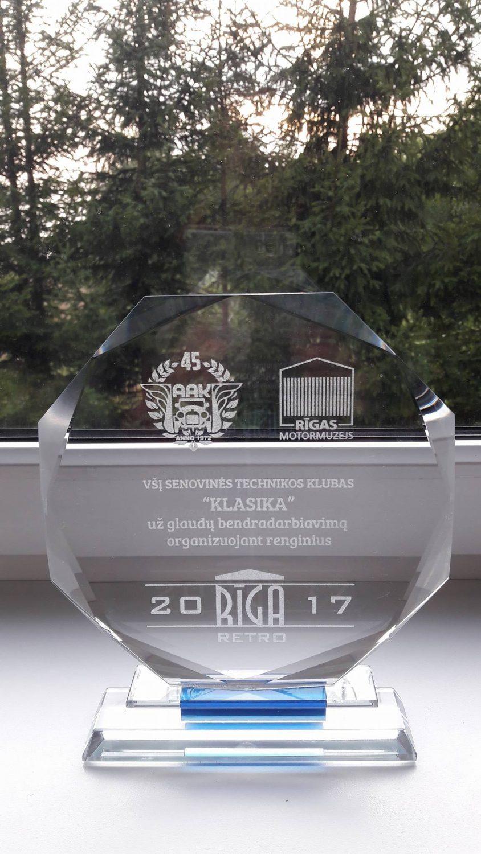 """Senovinės technikos suvažiavime Riga Retro 2017 ir Latvijos AAK 45-mečio paminėjime, klubas """"Klasika"""" pelnė tarptatautinį apdovanojimą"""