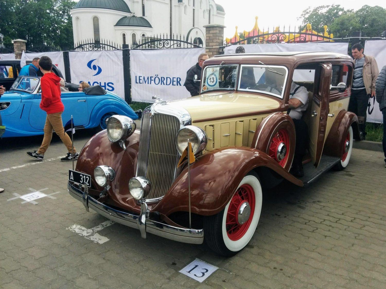 Chrysler C06 1933m. 1