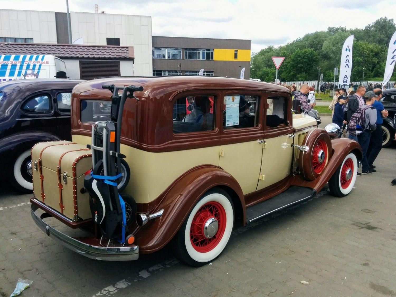 Chrysler C06 1933m. 2