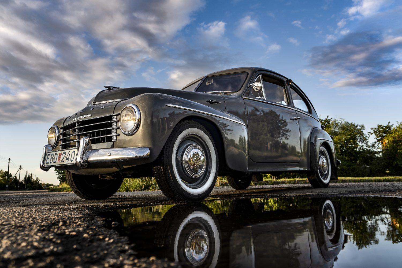 1954 Volvo PV444.
